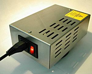 MAS-90, ozongenerator effektiv på fjerning av vond lukt, som f.eks. røyklukt i bil, campingvogner eller mindre rom.